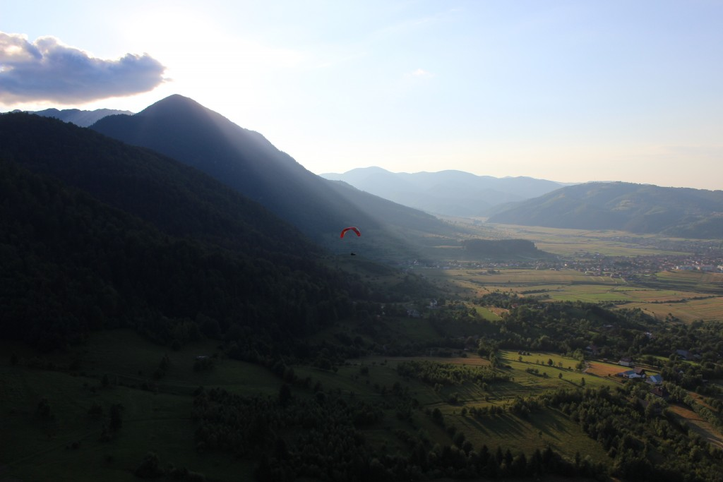 Flying at Magura Branului on late summer afternoon. By Transylvania Fly