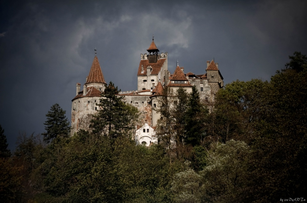 Bran Castle, known as Dracula's Castle. by ivo deart